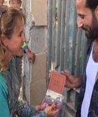 Cansados da guerra, sírios ouvem falar de Jesus e recebem exemplares da Bíblia