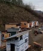 Igreja constrói 15 casas em seu terreno para abrigar moradores de rua